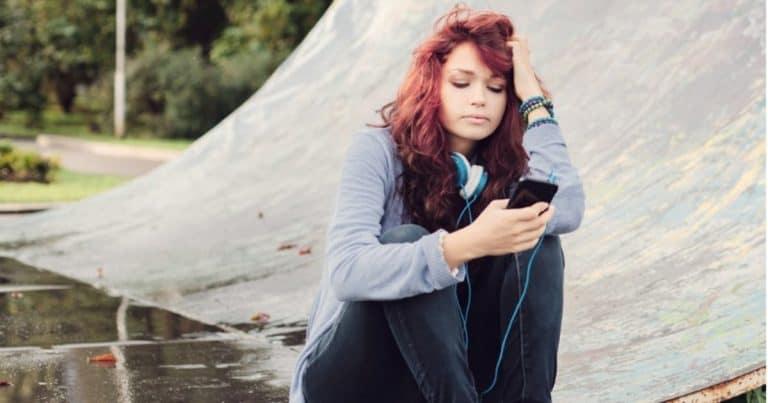 How to Keep Your Teen (or Tween) Safe Online