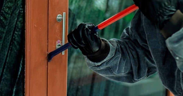 Defining Burglary vs Robbery | SafeWise.com