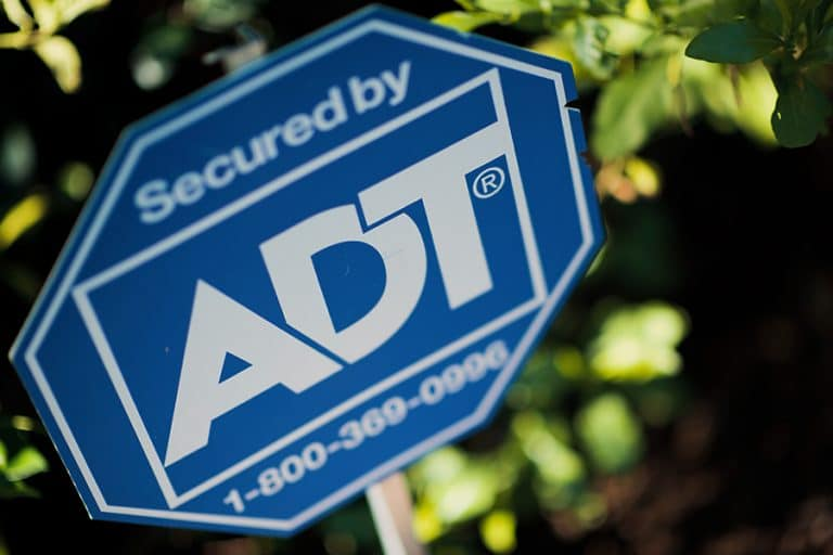 Compare Frontpoint vs ADT Security Systems