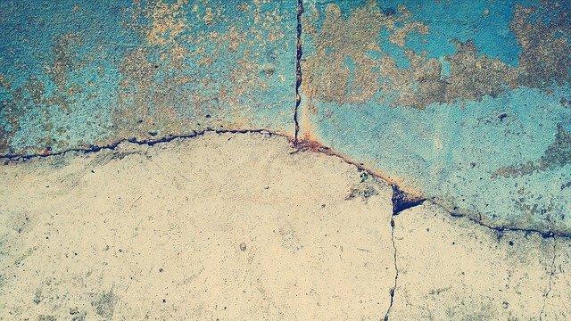 How to Fix Cracked Concrete Floor in Your Garage