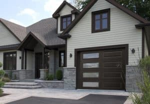 Change you garage door before to sell your house