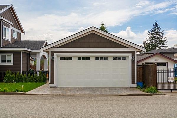 detached garage property value