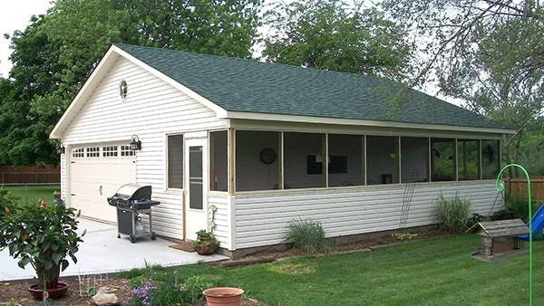 garage with porch