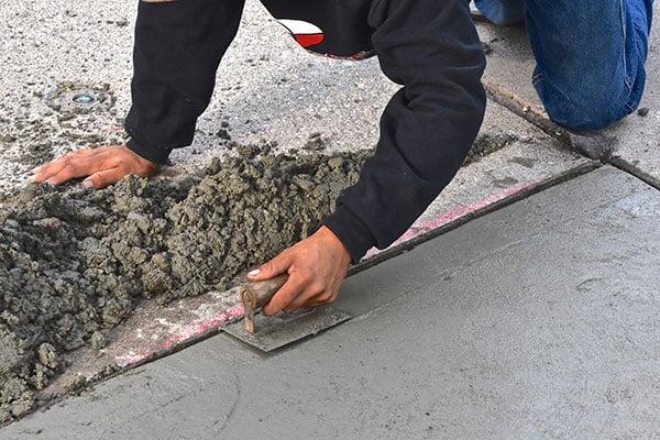 professional fixing cracked concrete floor