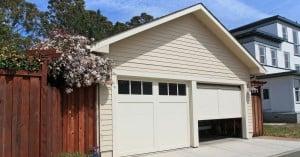 Garage with 2 doors
