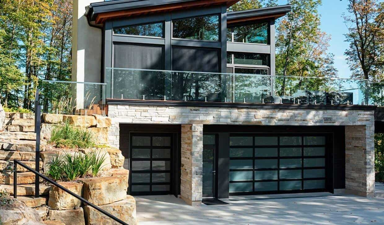 Garage doors: California, 6' x 8' 6